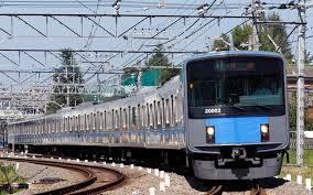 【衝撃】韓国人学生、走行中の電車ドアを勝手に開けて飛び降りる → その結果・・・のサムネイル画像