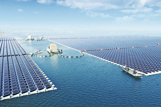 【中国】水上に太陽光パネルを敷き詰めた40メガワット級の太陽光発電基地 → いろいろ大丈夫なのか・・・のサムネイル画像