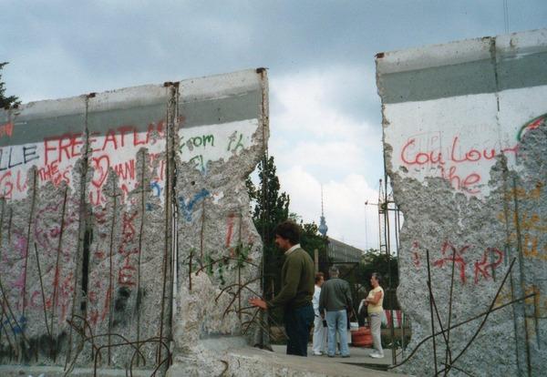 【国境は要らない】ドイツ・ベルリン市長「トランプ大統領はメキシコとの壁を造るのをやめなさい」のサムネイル画像