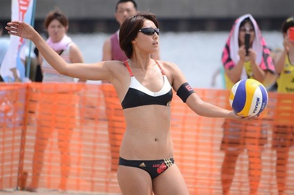 【悲報】ビーチバレー国際大会の出場申請を忘れ、日本チーム参加できずwwwwwwwwwwのサムネイル画像