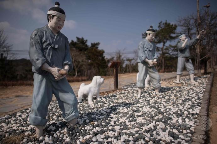 【画像】モルゲッソヨを超えた!!! 韓国の「ペニス公園」がヤバすぎると話題にwwwwwwwwwwwwwwwwのサムネイル画像