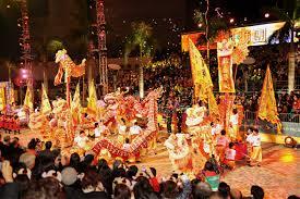 【悲報】中国人「日本ってもう、西洋の国だよな。クリスマスも祝うし、旧正月は祝わないし。」のサムネイル画像