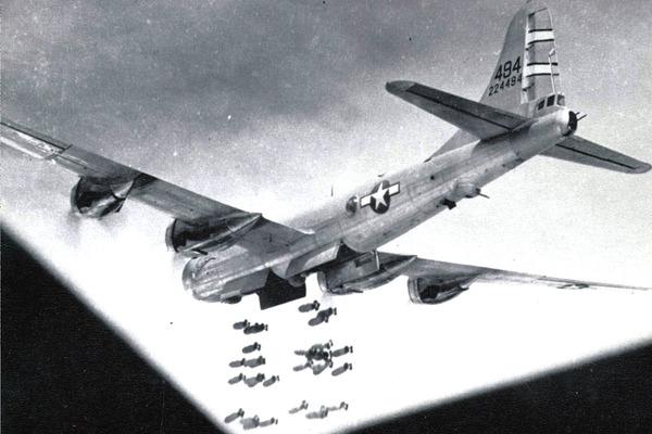 米「B-29!」独「ティーガー!」日「零戦!」イギリス「」のサムネイル画像