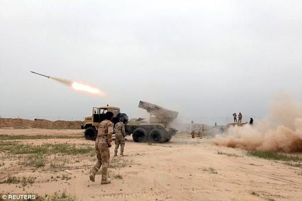 ロシア人将校、自分がいるところを空爆させてイスイス戦闘員を一掃し、英雄として戦死のサムネイル画像