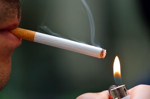 【朗報】タバコを吸うメリットが多すぎると話題にwwwwww のサムネイル画像