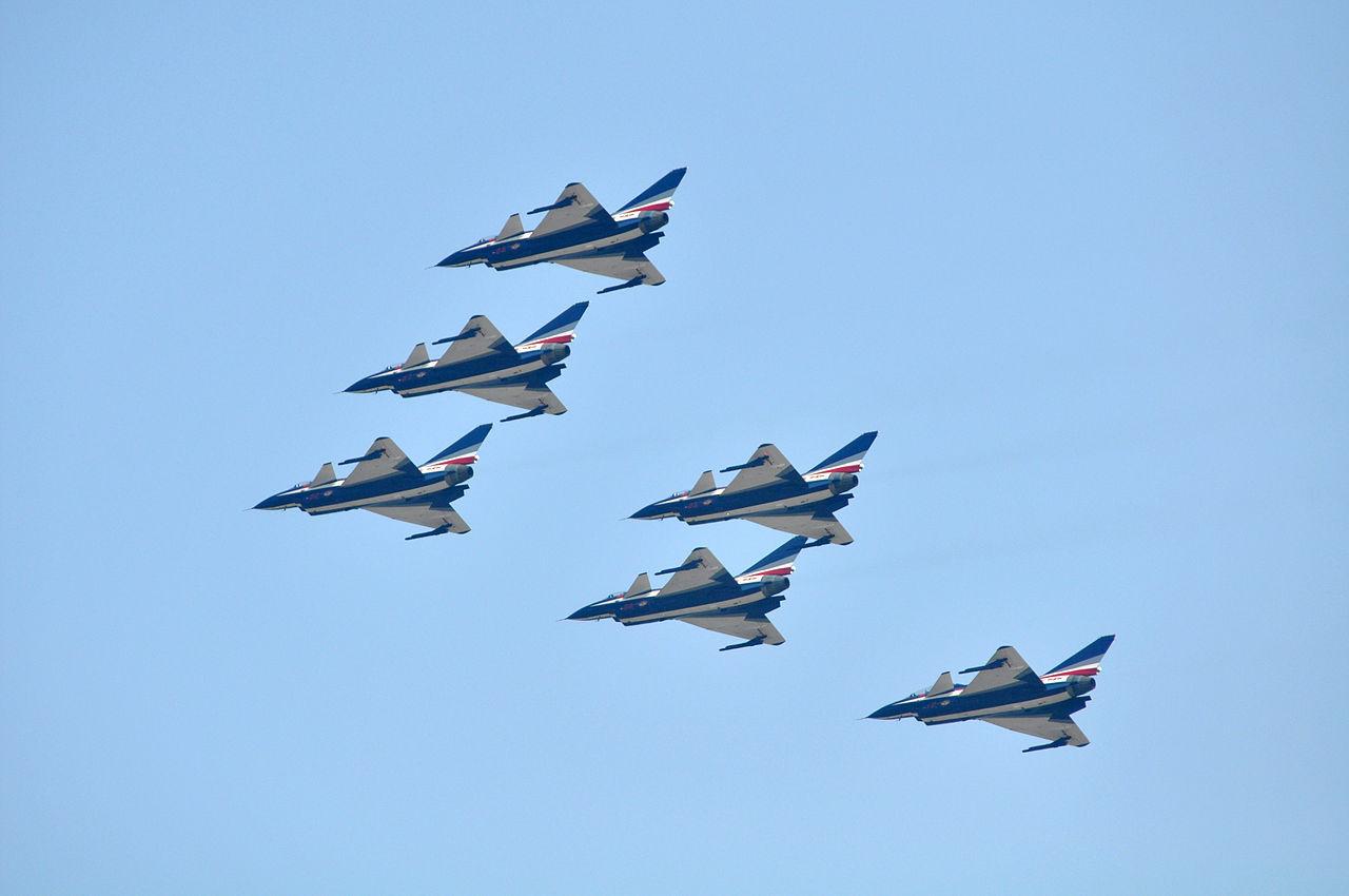 【動画】中国戦闘機「J-10」の異常すぎる変態機動wwwwwwwwwwwwwのサムネイル画像