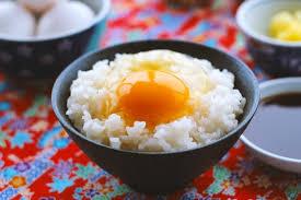 中国人「日本人はご飯に生卵をかけて食べていてキモいんだが」 のサムネイル画像