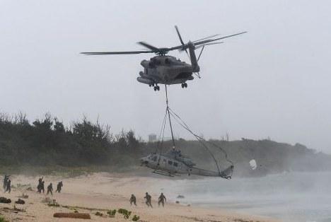 【速報】沖縄、ホテルの近くに「軍用機」緊急着陸へのサムネイル画像