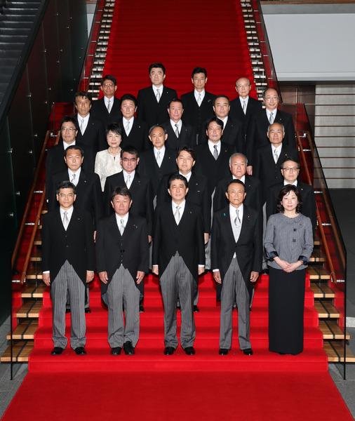 【政治】安倍内閣支持率55%に上昇のサムネイル画像