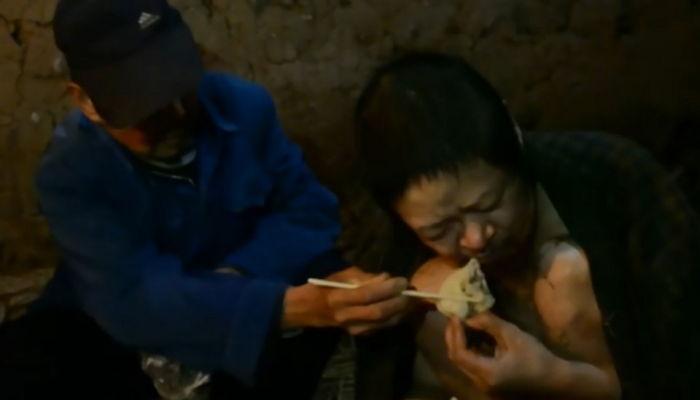 【中国】精神病になった息子を鎖につなぎ、23年間倉庫に閉じ込めていた父親に非難が集まるwwwwwwwwwwwのサムネイル画像