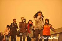 大量の有毒物質を含んだ中国の黄砂が尋常じゃないのサムネイル画像