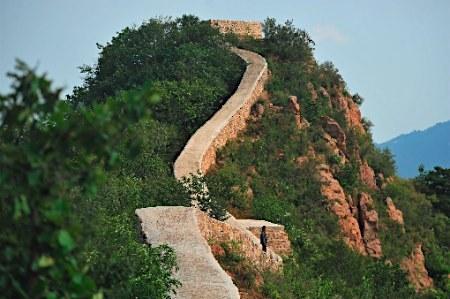 【中国】万里の長城をコンクリートで固めて無残な姿にした責任者を処分へwwwwwwのサムネイル画像