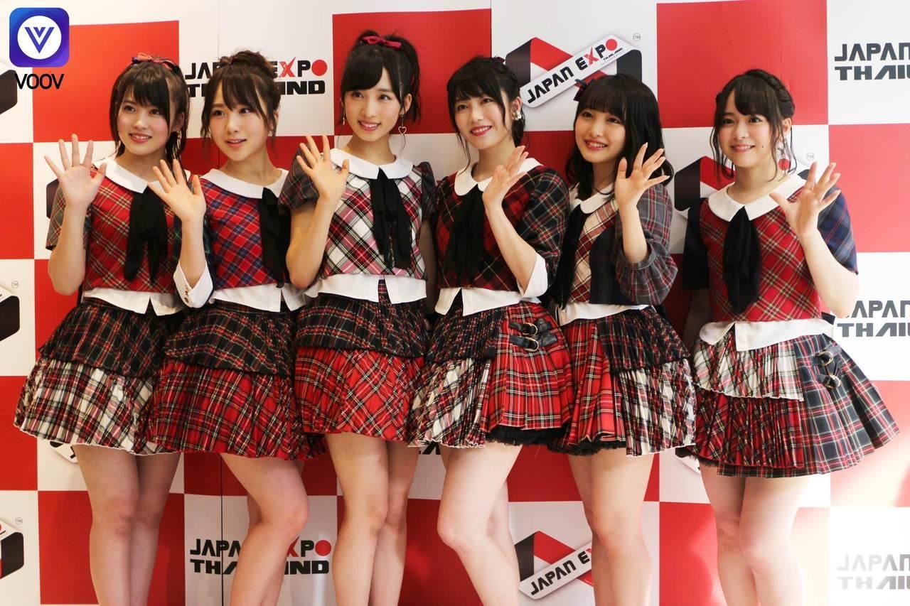 【悲報】「なんで日本のアイドルは低身長で歌下手なの?」AKBの海外ライブに外国人から批判殺到wwwwwwwwwwwwwのサムネイル画像