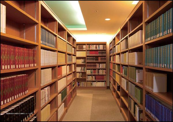 出版業界「本が売れない理由は、図書館が新刊本をタダで貸し出すからだ」のサムネイル画像