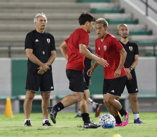 本田圭佑「監督と議論していく」 ハリルと目指すサッカースタイルに隔たり! wwwwwのサムネイル画像