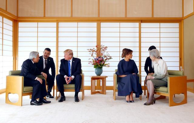 トランプ「天皇陛下は全ての国民から深く慕われていると伺っており、今回お目にかかれて大変光栄です」 のサムネイル画像