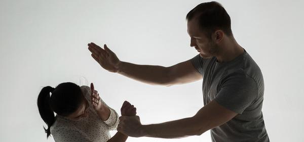 【衝撃】5歳女児、無職の父親に顔面をボコボコされ嘔吐を繰り返し死亡・・・のサムネイル画像