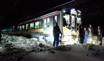 【JR信越線立ち往生】米山新潟知事がJRの対応に共感「乗客を降ろせば、遭難の可能性があった」 のサムネイル画像