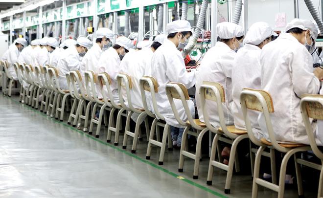 【衝撃】iPhoneを作るFoxconnの酷い労働環境、年間に150人が飛び降り自殺・・・のサムネイル画像