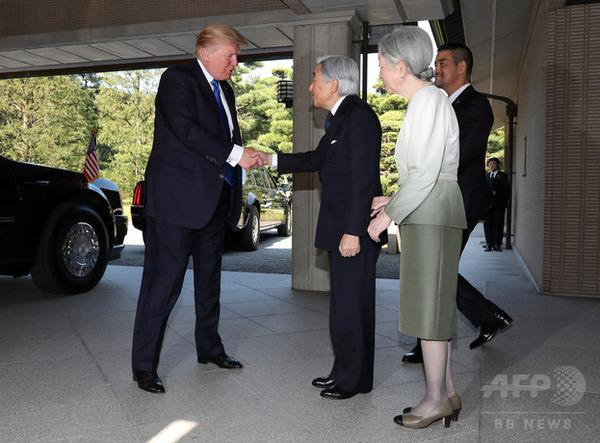 【悲報】天皇にお辞儀をしなかったトランプに米国内で賞賛の声「よくやったトランプ!」 のサムネイル画像
