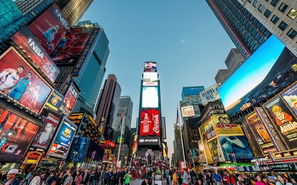 【NY車暴走事件】犯人「幻覚に耐えきれず、皆殺しにしたかった。警察に射殺されたかった。」のサムネイル画像