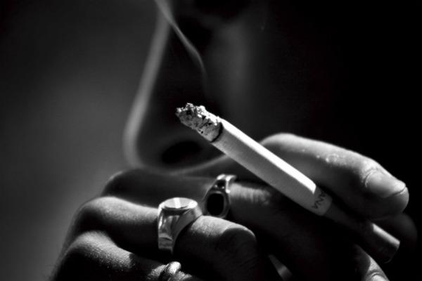 厚労省が受動喫煙ゼロ目標を撤回wwwwwwwwwwwwwのサムネイル画像