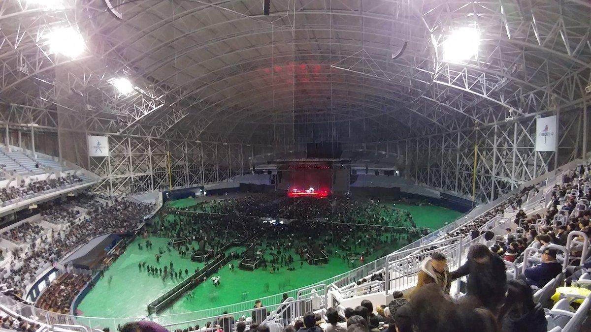 【悲報】メタリカの韓国ドーム公演、前座のBABYMETALが帰ったらガラガラwwwwwwwwwwwwwwwwwwのサムネイル画像