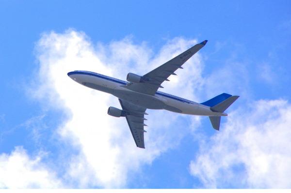 【飛行機】乗客「ブボボ」 CA「お客様!」 乗客「ブボボボボボボ」→のサムネイル画像