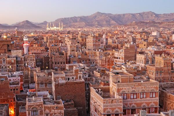 国連「イエメンでは、1900万人が食糧不足で苦しんでいます。2300億円出してください」のサムネイル画像