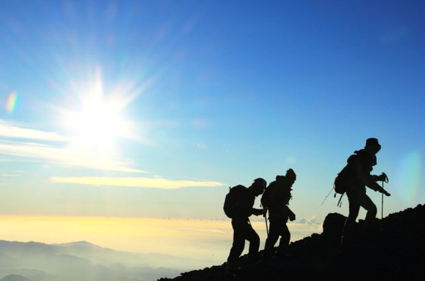 【閲覧注意】婚約破棄のショックで自殺しようと登山した結果wwwwww のサムネイル画像