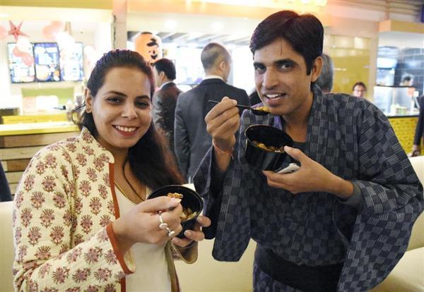 【日本式カレー】インドに進出 → 国民食に挑戦!!!!のサムネイル画像