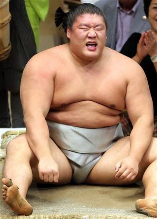 【衝撃】暴行を受けた貴ノ岩さん、精神科に入院準備へ・・・のサムネイル画像