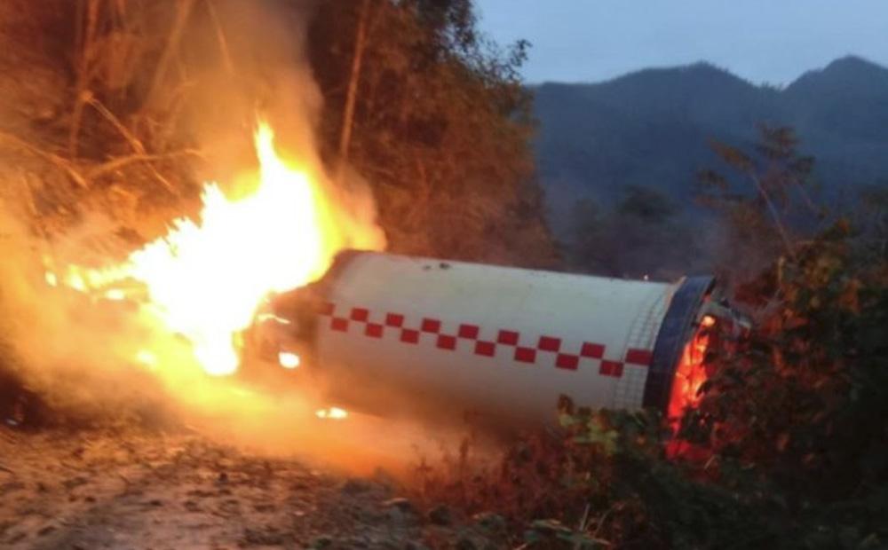 【動画】中国、長征3号ロケットの一部が落下 → 大爆発の様子がSNSに投稿される・・・のサムネイル画像