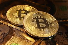 【悲報】ビットコインなどの仮想通貨、所有者が突然死しても肉親相続できない模様・・・のサムネイル画像