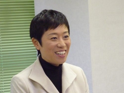 辻本清美、民進党からも批判殺到で万事休すかのサムネイル画像