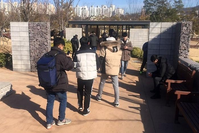 韓国で「ポケモンGO」が社会現象に、釜山市民公園では多くのポケモンが捕獲出来ると話題にwwwwwwwwwwwwwwwwwwwのサムネイル画像