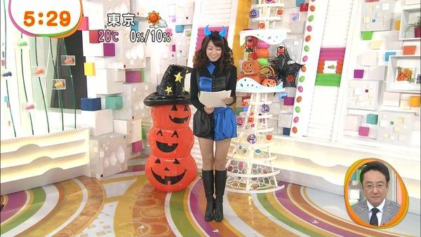 【画像】朝から太ももエロ過ぎるだろ…めざましテレビのお天気お姉さん長野美郷(26)のハロウィンコスプレwwwwのサムネイル画像