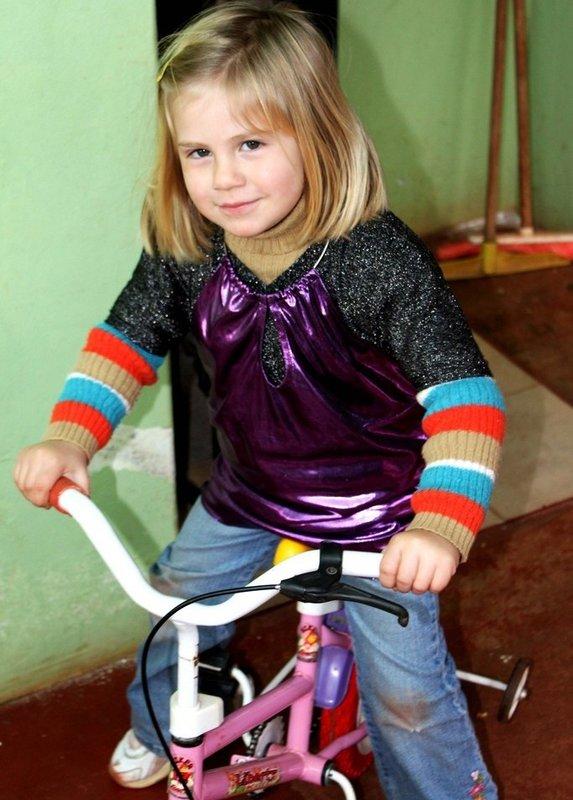 4歳の幼女が補助輪付き自転車で老人をはねた事故で訴訟可能との判断のサムネイル画像