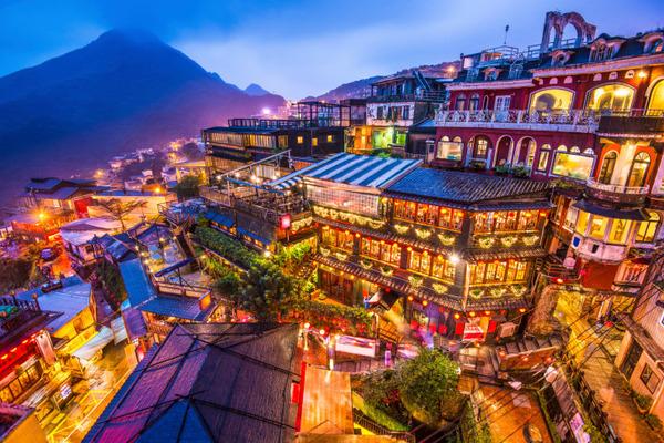 台湾「日本人観光客がお金をあまり使ってくれない…」旅行収支は3700億円の赤字のサムネイル画像