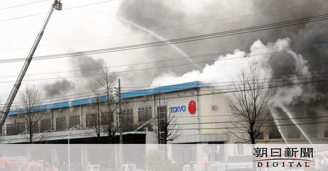 【速報】寝具大手「ふとんの西川」倉庫で火災が発生・・・のサムネイル画像