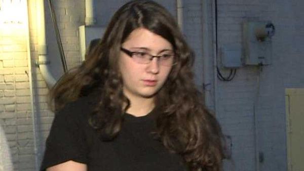 米国19歳女性!ラフェッララ氏殺人容疑で逮捕!その後悪魔信仰で20人殺害を自白((((;゚Д゚))))のサムネイル画像