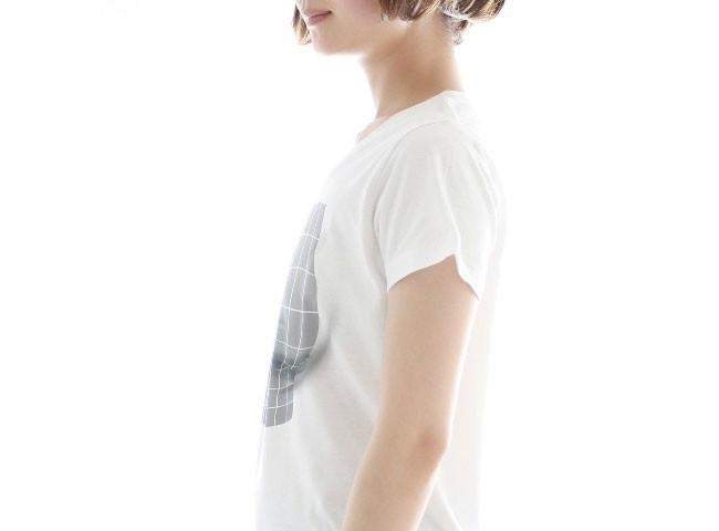 【画像】貧乳女子のために「サイズを大きくみせるTシャツ」が開発されるwwwwwwwwwのサムネイル画像