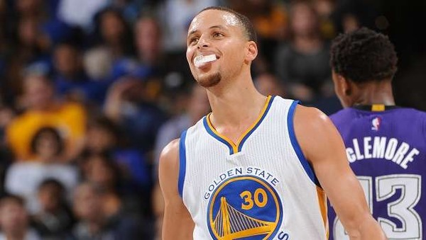 【NBA】ウォリアーズのカリーが5年225億円で契約延長wwwwwwwwwwwwwのサムネイル画像