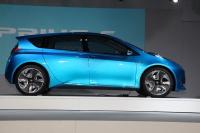 トヨタの新型ハイブリッド車「アクア」 燃費世界最高に、1リットルで40キロ弱走行、プリウスより安くのサムネイル画像