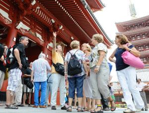 【衝撃】訪日観光客数、中国を抜きトップに立った国がこちらwwwwwwwwwwwwwwのサムネイル画像
