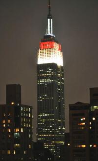 ニューヨークのエンパイアステートビル、なでしこジャパン優勝を称え日の丸柄に点灯のサムネイル画像