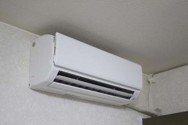 専門家「どうして28℃?エアコンは26度が最適温度なのに!」のサムネイル画像
