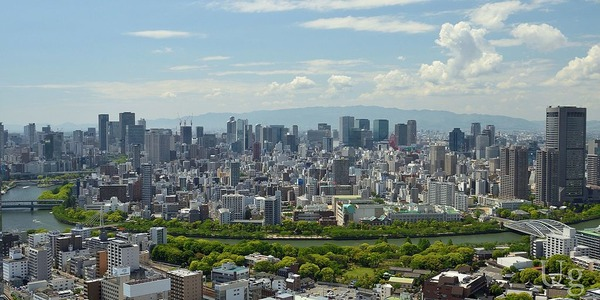 Ufoto-wiki-01_Osaka-Skyline_May2014