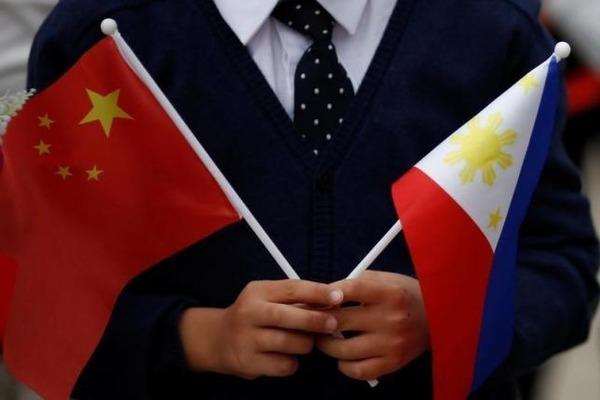 【悲報】中国、フィリピンを2.5兆円で手懐けることに成功wwwwwwwwwwwwwのサムネイル画像