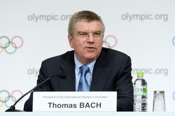 【IOC】バッハ会長「東京五輪では、韓国と北朝鮮が合同入場行進をするのはどうだ?」のサムネイル画像